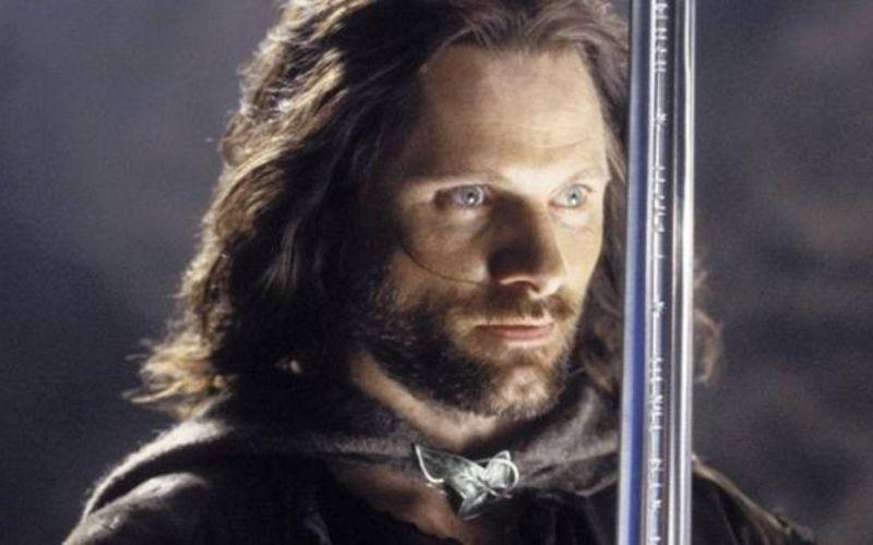 Aragorn con Andúril, enfrentando su destino